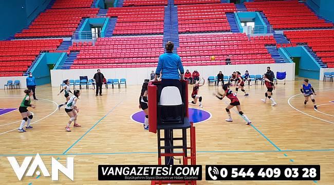 Van Bütükşehir Gençlik ve Spor Kulübü, liderliğini sürdürüyor