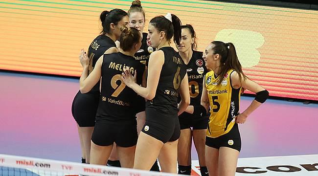PTT Spor'u 25-16, 25-18 ve 31-29'luk setlerle 3-0 mağlup etti