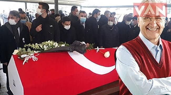 Türkiye'nin en kıymetli bilim insanı son yolculuğuna uğurlandı