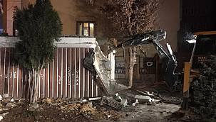 Vanhaber, Van'da tehlike saçan evlere gece yıkımı