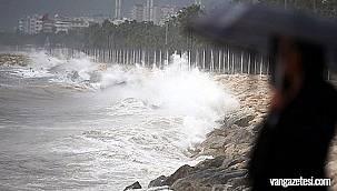 Meteoroloji Sel ve Fırtına uyarısında bulundu