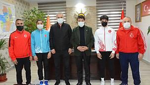 Şampiyonlar, Türkmenoğlu'nu ziyaret etti