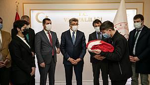 Türk Bayrağımız Van'a Ulaştı