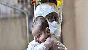 Kovid-19 salgınında doğum sırasında anne ve bebek ölümleri üç katına çıktı.