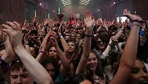 Türkiye kapanma sürecindeyken dünya bu partiye konuşuyor