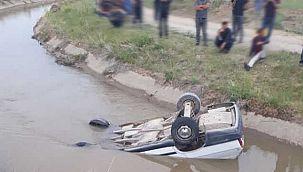 Van haber   Van'da araç kanala uçtu – Yaralılar var