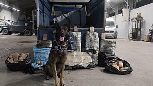 Van haber : Van'da nakliye aracının arkasında 216 kilo 100 gr eroin sevkıyatı