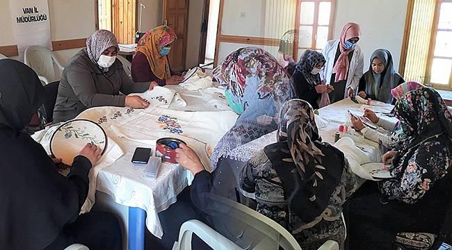 Tuşba Belediyesinden Kadınlara Katkı Sunan Kurs