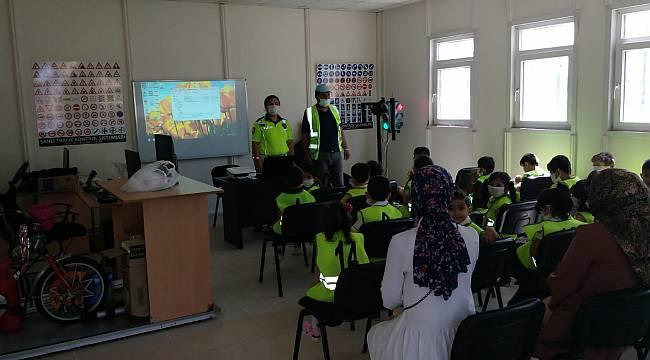 Van'da 26 öğrenciye emniyetten emanet