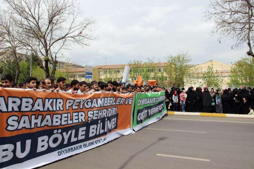 Diyarbakır'daki Lgbt Paneli Tepki Üzerine İptal Edildi