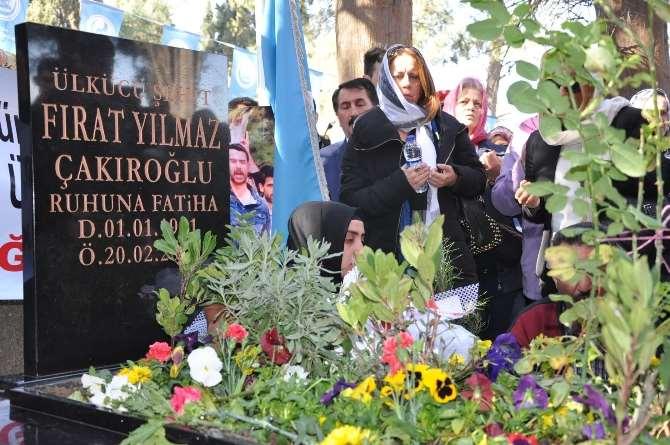 Fırat Çakıroğlu Ölümünün 1. Yılında Mezarı Başında Anıldı
