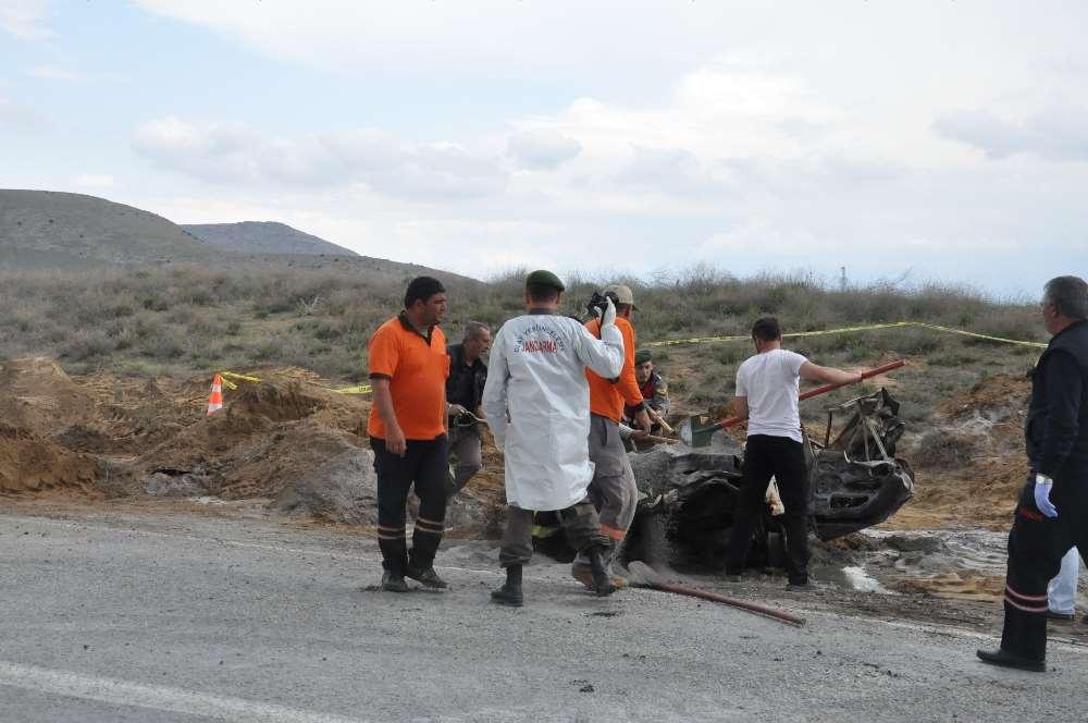 Kaza Yapan Araçlar Alev Aldı: 2 Ölü, 1 Yaralı