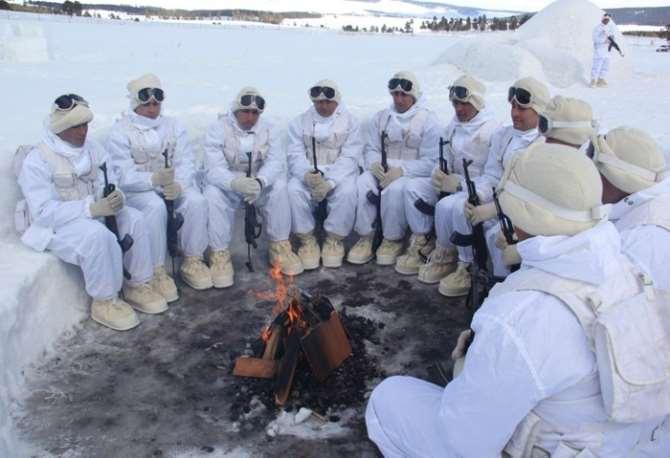 Mehmetçik Kar Kış Dinlemiyor