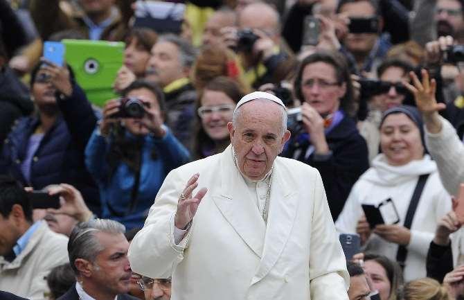 Paris Saldırıları Vatikan'ı Da Etkiledi