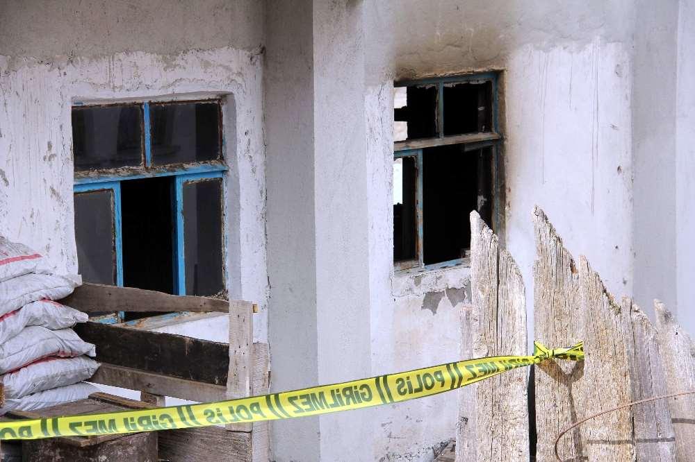 Sobadan Ölüm Sıçradı: Biri 4 Diğeri 2 Yaşındaydı