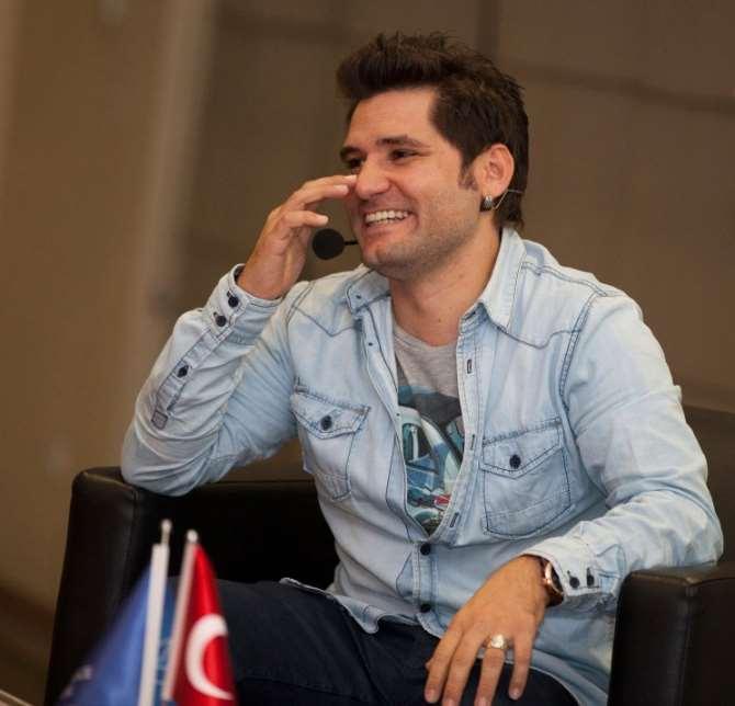 Ünlü Oyuncu Fenerbahçe'nin Kapısından Dönmüş