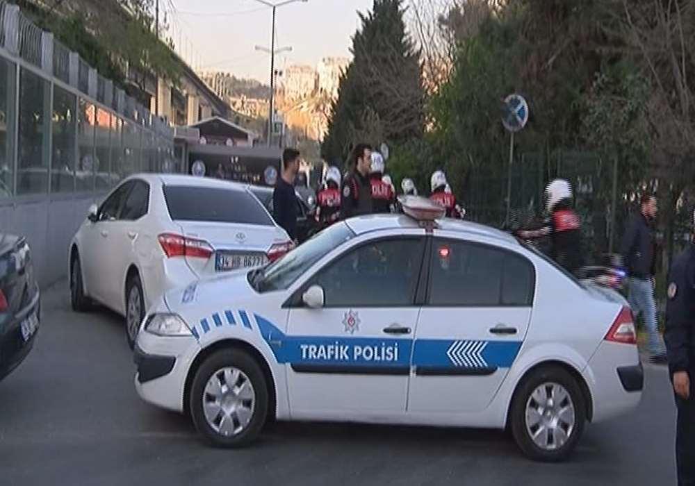 Yüzü Kapalı 3 Genç Polisi Alarma Geçirdi