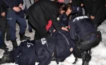 AK Parti konvoyunda kaza: 7 polis yaralı
