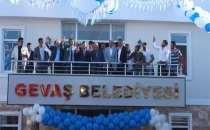 Gevaş Belediyesinin yeni hizmet binası açıldı