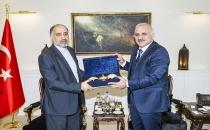 İran Valisinden Van Valisine Ziyaret