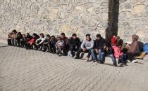 Van, ın başkale ilçesinde 43 kaçak göçmen