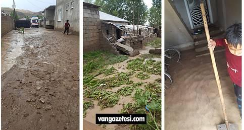 Yağan yağmur sele dönüştü ve Van'da çoğu ev kullanılamaz hale geldi.