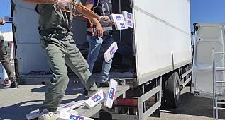 Van'da 13 bin 800 paket kaçak sigara bakın böyle yakalandı