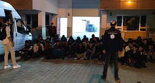 Van'ın İpekyolu ilçesi Erçek mahallesinde; (27) Afganistan, (29) Pakistan, (7) Bangladeş uyruklu kaçak göçmen yakalandı