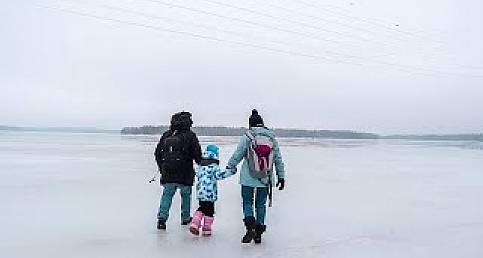 DENİZİN ÜZERİNDE YÜRÜDÜK / Karavanla Dünyayı Geziyoruz / Finlandiya Helsinki Vlog (Van Life)